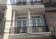 Cần tiền trả nợ ngân hàng gấp bán nhà ngay cầu Phú Xuân 4x13m, 1 trệt, 2 lầu, 4 ngủ, giá: 1.7 tỷ