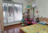 Bán chung cư tập thể nhà 127 Nguyễn Phong Sắc. DT: 60m2 cải tạo cực đẹp căn góc 2 mặt thoáng