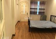 Cho nữ thuê phòng, phòng cực kỳ sang trọng và đẹp, đầy đủ tiện nghi: Máy lạnh, tủ lạnh mini, tủ áo