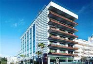 Cho thuê khách sạn 115 phòng mặt vườn hoa Dịch Vọng Hậu. LH: 0936432279