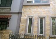 Cho thuê nhà mặt ngõ 106 đường Hoàng Quốc Việt, nhà 5 tầng, ngõ ô tô 2 chiều, giá 23 triệu